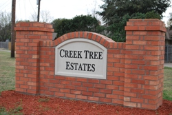 Creek Tree Estates monumnet sign